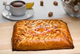 Пирог с клубникой и творожным сыром - Фото