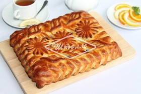 Пирог с черной смородиной - Фото
