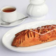 Пирожок с сельдью 250 г Фото