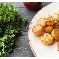 Картофель молодой с розмарином Фото