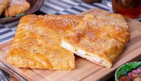 Пирог слоеный курица,моцарелла,томат - Фото