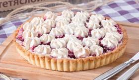 Пирог с вишней и меренгой - Фото