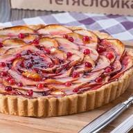 Песочный пирог с яблоками и брусникой Фото