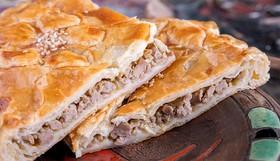 Слоеный пирог с мясом - Фото
