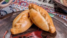 Пирожок с курицей и картофелем - Фото
