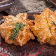 Пирожок с курицей и сыром Фото