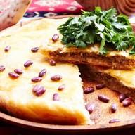 Мясной пирог с фасолью Фото