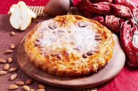 Грушевый пирог с миндалем - Фото