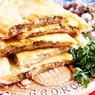 Картофельно-мясной пирог Фото