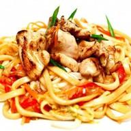 Wok лапша с курицей standard Фото
