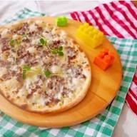 Мини-пицца с фрикадельками Фото