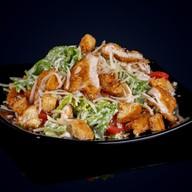 Цезарь салат с курочкой Фото