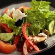 Греческий салат (обед) Фото
