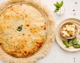Пирог с осетинским сыром и шпинатом - Фото