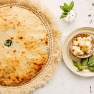 Пирог с осетинским сыром и шпинатом Фото