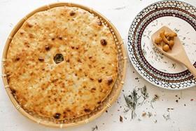 Пирог с фаршем, картофелем и грибами - Фото