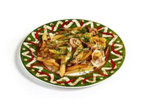 Жареный картофель с грибами и луком - Фото