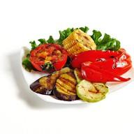 Овощи жареные на гриле Фото