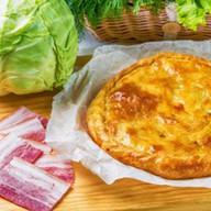 Пирог с капустой и копченостями Фото