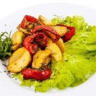 Картофельные дольки жареные с перчиком Фото
