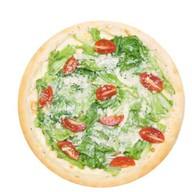 Цезарь де люкс с морепродуктами пицца Фото