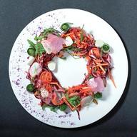 Овощной салат с сыром моцарелла Фото