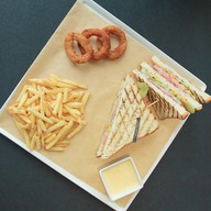 Сэндвич с ветчиной из индейки Фото