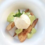 Мороженое с сыром рокфор и пряной грушей Фото