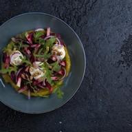 Салат из печеной свеклы с яблочным пюре Фото