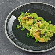 Паста с зеленым горошком и креветками Фото