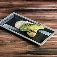 Стейк из молодой белокочанной капусты Фото