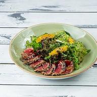 Пряный салат с тунцом,имбирем,апельсином Фото