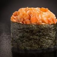 Острые суши с тунцом Фото
