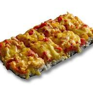 Японская пицца с лососем и креветками Фото