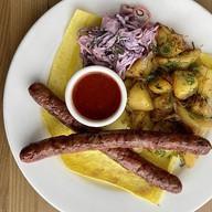 Купаты говяжьи-гриль с картофелем Фото