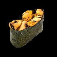 Суши мидии в остром соусе Фото