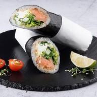 Суширитто с лососем Фото