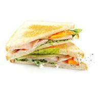 Сэндвич с курицей холодного копчения Фото