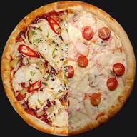 Mix пицца Евразия Фото