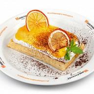 Бельгийская вафля с манго Фото