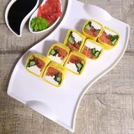Тортилья ролл с лососем Фото