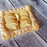 С яблоками, черникой, повидлом (слоеный) Фото
