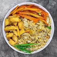 Wok рис с курицей Фото