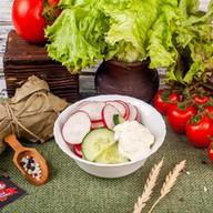 Салат с редисом,огурцом(пн,вт,ср,чт,пт) Фото