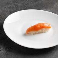 Суши лосось холодного копчения Фото