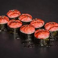 Запеченный с копченым лососем под соусом Фото