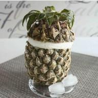 Мороженое в ананасе Фото