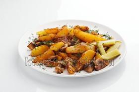 Картошечка жареная с грибами и луком - Фото