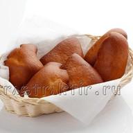 Корзина с пирожками Фото