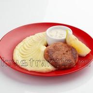 Котлета из сёмги с картофельным пюре Фото